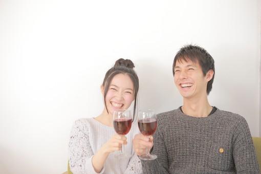 【女性向け】PCMAXで男性の飲み友達をつくる方法と注意点